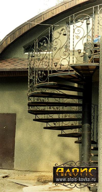 Качественные кованые лестницы для дома на улице. Подбор по фото