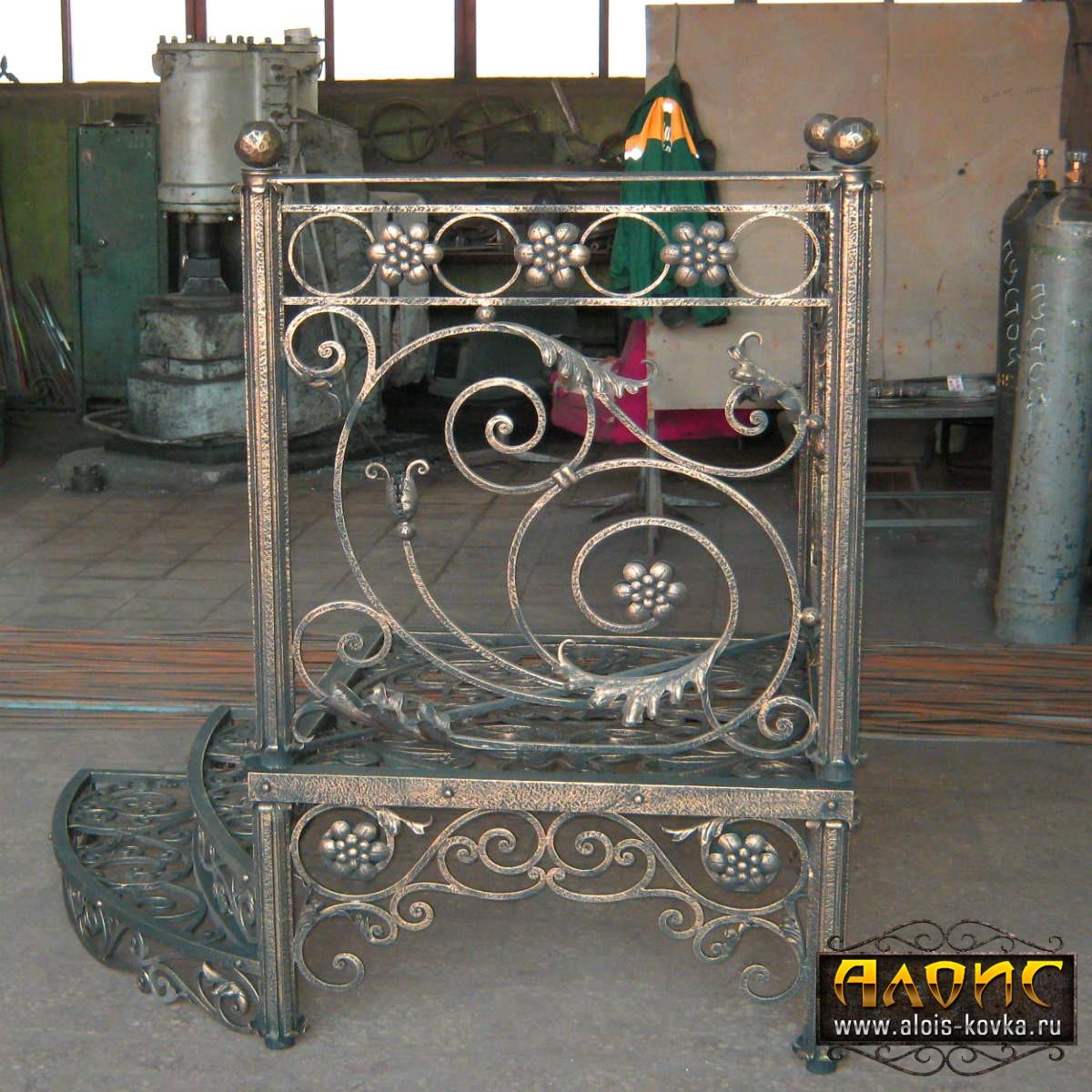 Ручной работы кованые лестницы производство Алоис