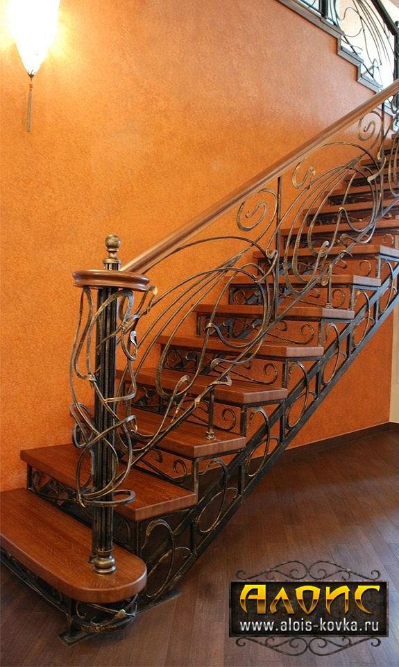 Эксклюзивные кованые лестницы для вашего коттеджа