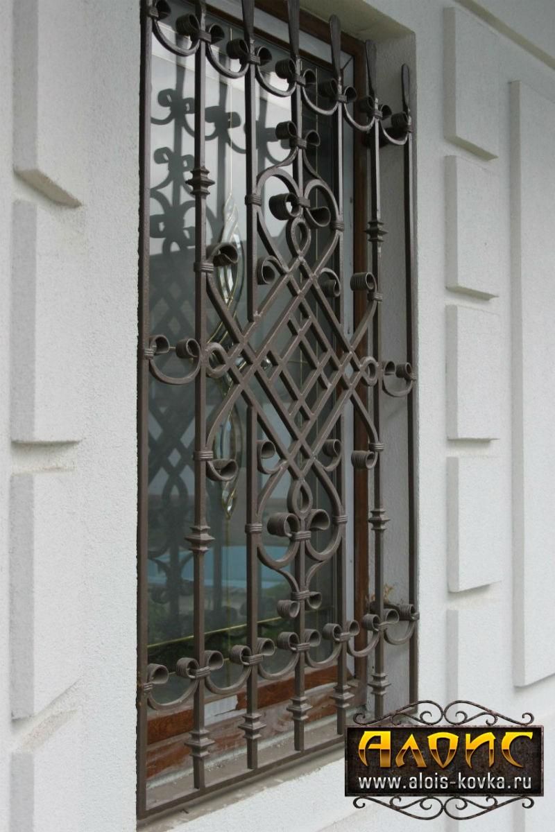 Добротные решетки на окна кованые на заказ в Москве