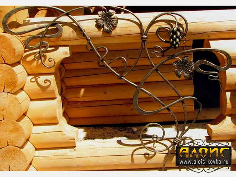 Заказать кованые решетки на окна деревянного дома