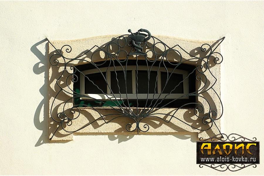 Эксклюзивные кованые решетки для окон от мастерской художественной ковки в Москве