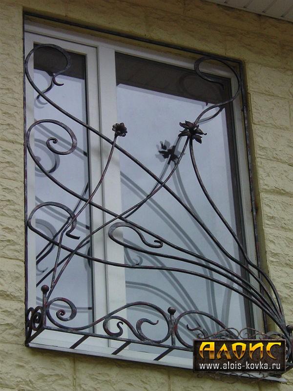 Необычные кованые решетки на окна заказать в мастерской ручной художественной ковки Алоис